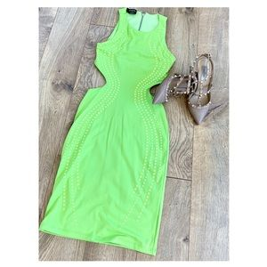 Neón green BEBE dress
